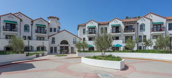 Cotton's point senior apartments exterior view3