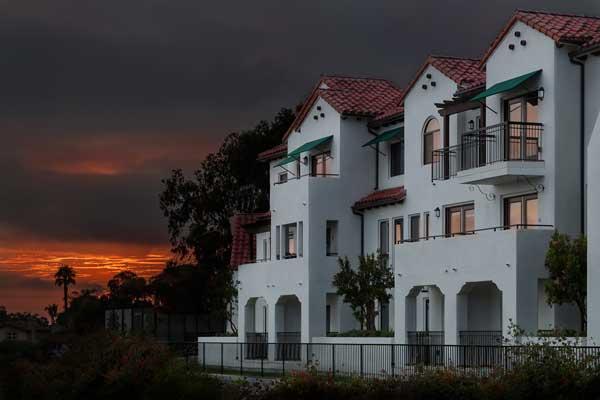 Cotton's point senior apartments exterior view4